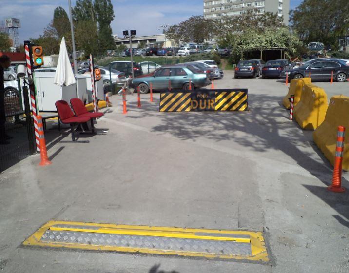 Pas68 Crash Tested Hydraulic Road Blocker Madoors